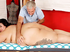 Massaging Young Fatty Mia Riley and Stimulating Her with Two Toys on presentation