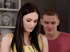Beyond hope dick brunette Leanne Lace gets fucked more than top be advantageous to the desk