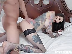 Sultry sinner Rocky Emerson proves to be an crushed cum slut when gagged
