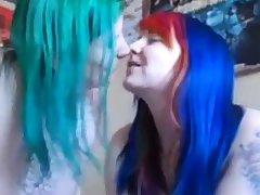 webcam lesbian caress me