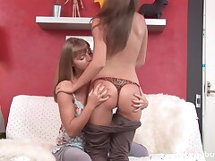 Juggy teen is finger fucking untidy and yummy pussy be incumbent on best girlfriend