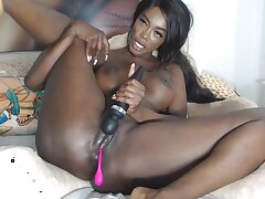 Solo ebony Shantall gets relating to front
