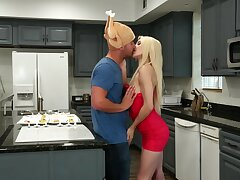Powdered young siren Elsa Jean has her way with an experienced guy