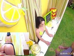 ZZ Lemonade: Kristina Rose