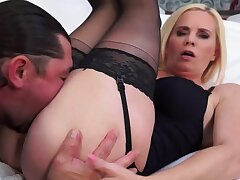 Craving mature blonde moans in the long run b for a long time getting drilled deep