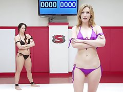 passionate poofter Holly Heart use a strapon alongside please the brush girlfriend