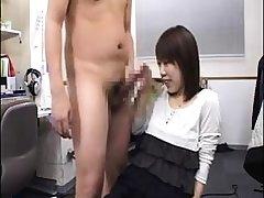 Subtitled CFNM Japanese gaffer masseuse gives handjob